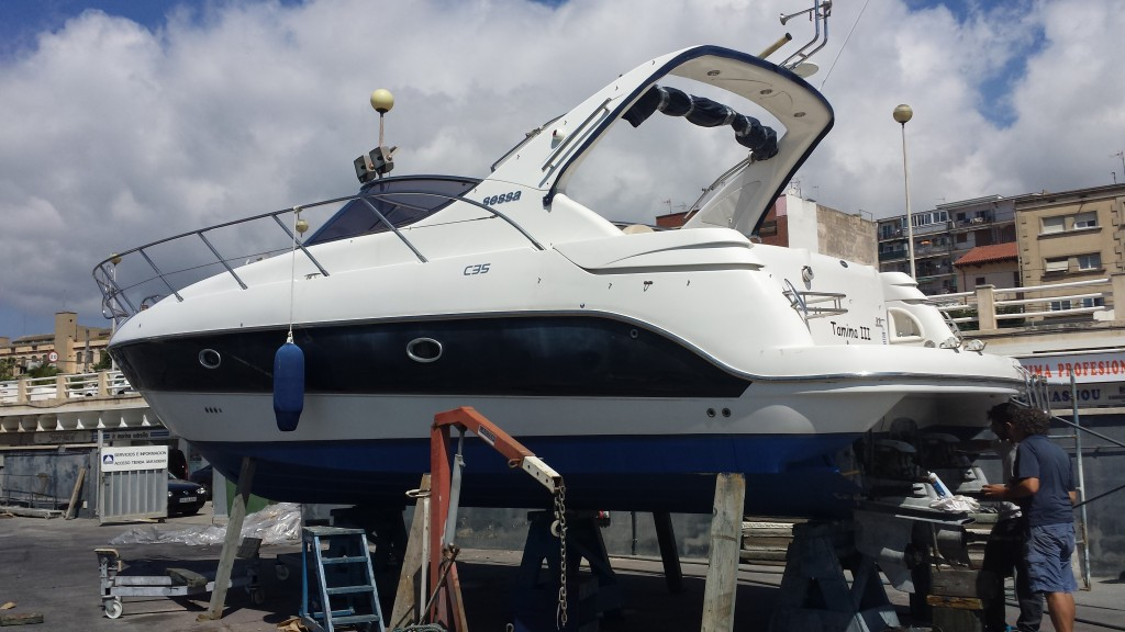 Yacht winter Service
